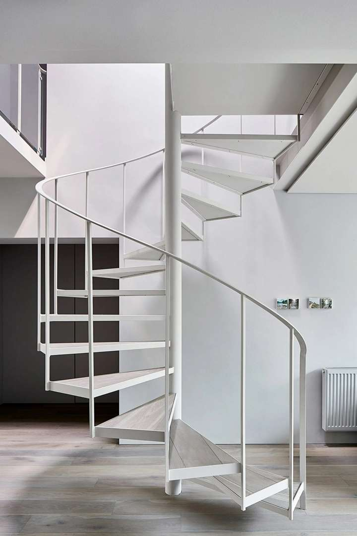 studiofour-cunningham-street-interior_dezeen_2364_col_9-scaled_11zon